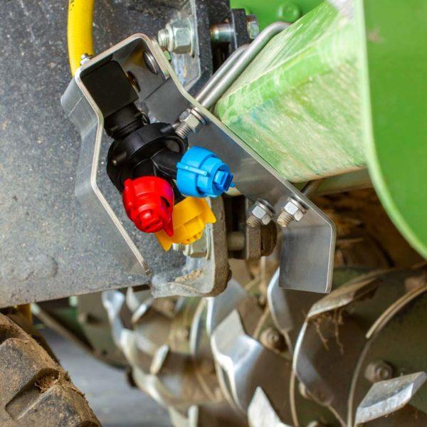 Düsenhalter für eine Celli Pioneer Fräse zur Ausbringung von Fermenten
